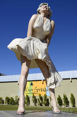 Marilyn Photograph - Marilyn Monroe Statue California by Bob Christopher