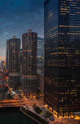Goldberg Photograph - Marina City And A M A Plaza Chicago by Steve Gadomski