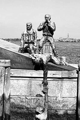 Merchant Mariners Photograph - Mariners Memorial by Jenny Hudson