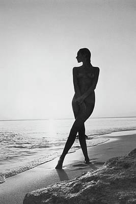 Arnaud-de-rosnay Photograph - Marisa Berenson At A Beach by Arnaud de Rosnay