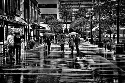 Photograph - Market Square In The Rain - Knoxville Tennessee by David Patterson