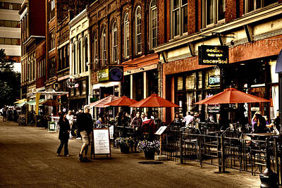 Knoxville Photograph - Market Square - Knoxville Tennessee by David Patterson