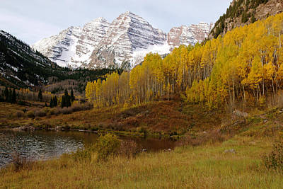 Photograph - Maroon Bells In Autumn No.2 by Daniel Woodrum