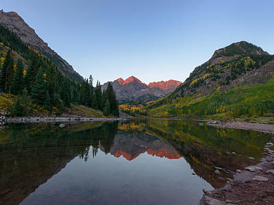 Photograph - Maroon Bells Sunrise by David Yack