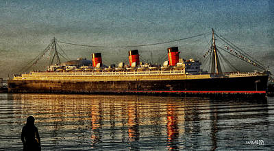 Mary Watches The Queenmary Art Print by Bob Winberry