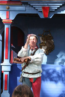 Maryland Renaissance Festival - A Fool Named O - 12125 Art Print by DC Photographer