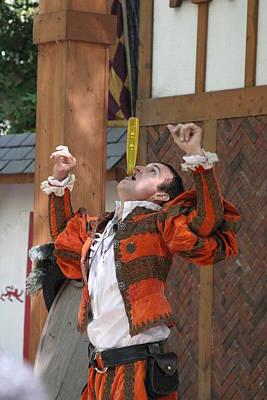 Rennfest Photograph - Maryland Renaissance Festival - Johnny Fox Sword Swallower - 121247 by DC Photographer