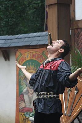 Rennfest Photograph - Maryland Renaissance Festival - Johnny Fox Sword Swallower - 121265 by DC Photographer