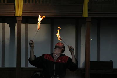 Rennfest Photograph - Maryland Renaissance Festival - Johnny Fox Sword Swallower - 121288 by DC Photographer