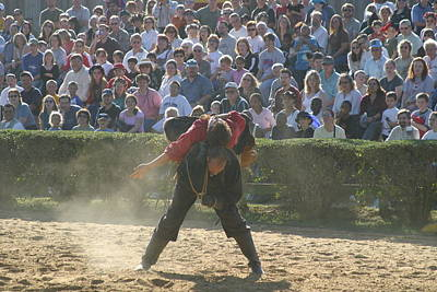 Rennfest Photograph - Maryland Renaissance Festival - Jousting And Sword Fighting - 1212108 by DC Photographer