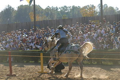 Rennfest Photograph - Maryland Renaissance Festival - Jousting And Sword Fighting - 1212167 by DC Photographer