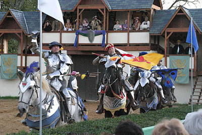Maryland Renaissance Festival - Jousting And Sword Fighting - 121258 Art Print by DC Photographer