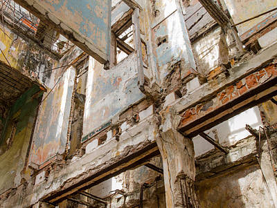 Photograph - Massively Fragile Building In Havana Cuba by Rob Huntley