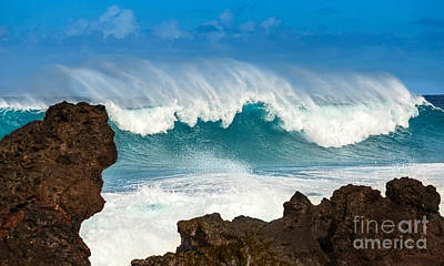 Beach Action Wall Art - Photograph - Maui Monster by Jamie Pham