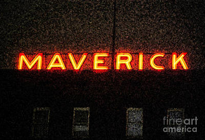 Digital Art - Maverick Building Vibrant Red Neon Sign Downtown San Antonio Texas Fresco Digital Art by Shawn O'Brien