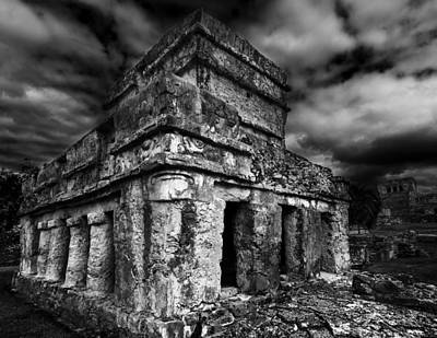 Photograph - Mayan Building by Julian Cook