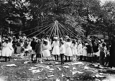 Photograph - Maypole Dance, 1905 by Granger