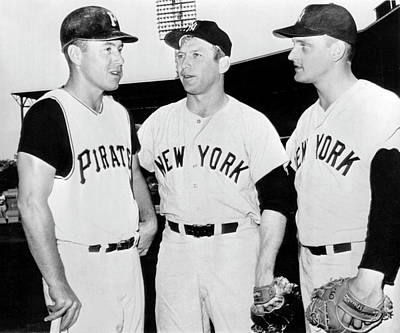 Mickey Mantle Vintage Photograph - Mazeroski, Mantle And Maris by Underwood Archives