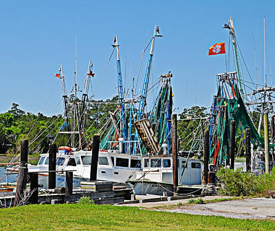 Photograph - Mcclellanville Shrimp Boats by Linda Brown