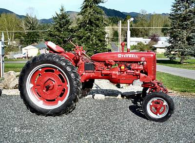 Photograph - Vintage Mccormick Farmall Tractor by Sadie Reneau