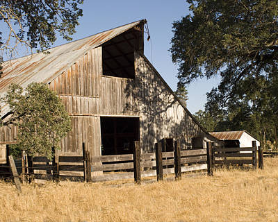 Art Print featuring the photograph Mccourtney Barn  by William Havle