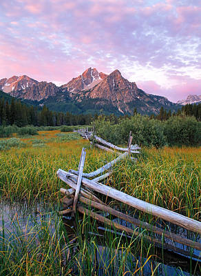 Old Fence Photograph - Mcgown Peak by Leland D Howard