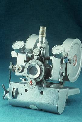 Elmer Photograph - Mckesson Nitrous Oxide Machine by Science Photo Library