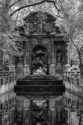 Luxembourg Gardens Photograph - Medici Fountain by Georgia Fowler