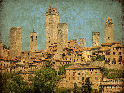 Tuscan Hills Digital Art - Medieval Manhatten In Italy by Patricia Hofmeester