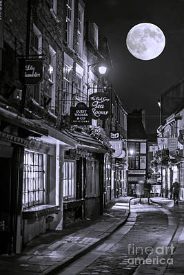 Photograph - Medieval Street In York Bw by Lilianna Sokolowska