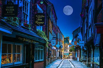 Photograph - Medieval Street In York Uk by Lilianna Sokolowska
