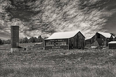 Photograph - Melo Crown Barn by Jack R Perry