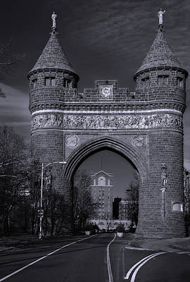 Photograph - Memorial Arch Hartford Connecticut by Phil Cardamone