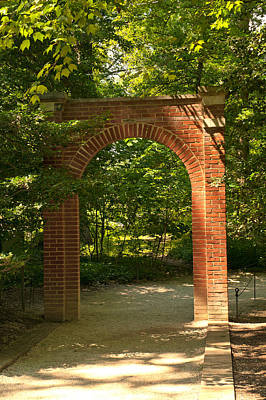 Photograph - Memorial Arch by Paul Mangold