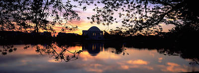 Jefferson Memorial Photograph - Memorial At The Waterfront, Jefferson by Panoramic Images