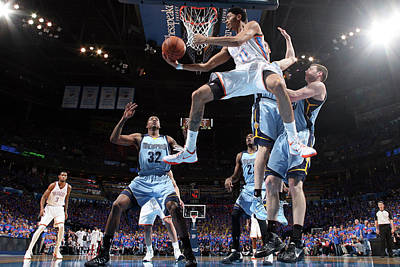 Photograph - Memphis Grizzlies V Oklahoma City by Layne Murdoch