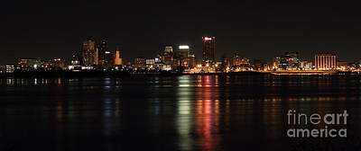 Photograph - Memphis Tn Skyline At Night by Reid Callaway