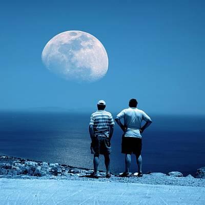 Men Watching The Moon Print by Detlev Van Ravenswaay