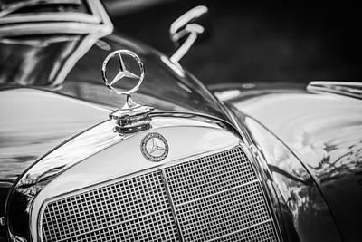 Photograph - Mercedes-benz Hood Ornament - Emblem -1006bw by Jill Reger
