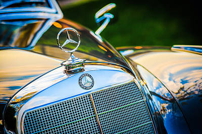 Photograph - Mercedes-benz Hood Ornament - Emblem -1006c by Jill Reger