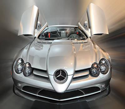 Photograph - Mercedes-benz Slr Mclaren Roadster 722 S by Dragan Kudjerski