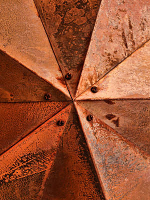 Realism Photograph - Metallic Alignment by Tom Druin