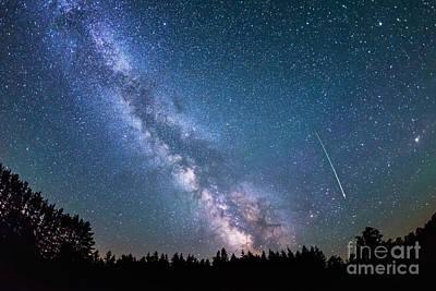 Meteor And Milky Way Hicontrast Version Original