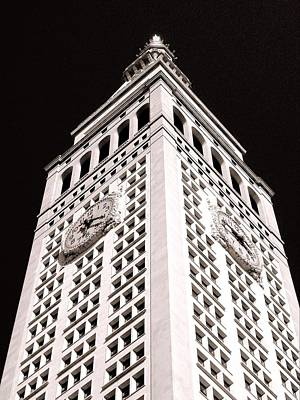 Photograph - Metropolitan Life Insurance Tower by Liza Dey