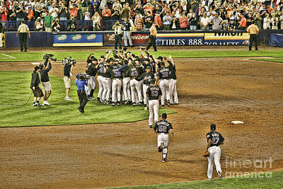 Shea Stadium Photograph - Mets Take Nl 2006 by Chuck Kuhn
