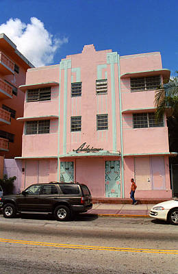 Photograph - Miami Beach - Art Deco 40 by Frank Romeo