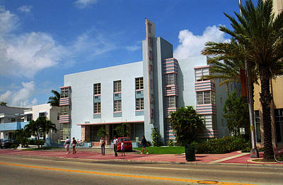 Photograph - Miami Beach - Art Deco 41 by Frank Romeo