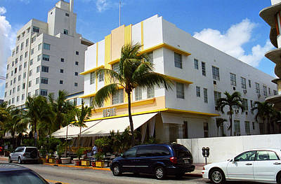 Photograph - Miami Beach - Art Deco 42 by Frank Romeo