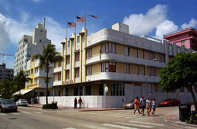 Photograph - Miami Beach - Art Deco 44 by Frank Romeo