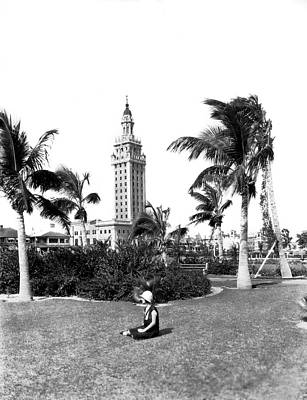Turf Photograph - Miami Daily News Building by Underwood & Underwood